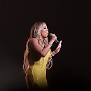 mariah-carey-at-special-live-performance-at-world-blockchain-festival-2018-in-tokyo-5.jpg